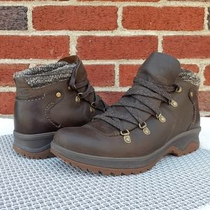 Merrell Hiking Snow Ankle Boots Gift Blogger Fave